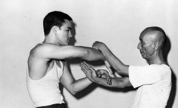 Bruce-with-Ip-man-bruce-lee-26727480